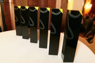 Die begehrten LUXI-Trophäen wurden vom renommierten Produktdesigner Markus Bischof entworfen, der auch Teil der Jury war.